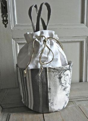Pochon en tissus anciens decoration de charme decoetcreation - Decor de charme ...